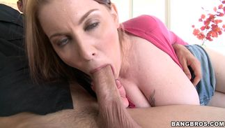Bizarre angel Desiree De Luca with round natural tits is giving blow after getting beaver licked
