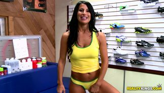Slender big boobed Sophia Bella gives head to the pumped up man