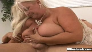 Magnificent blond playgirl Linda with curvy tits is always eager to spread her legs