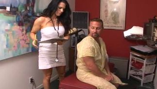 Delectable big titted latin bombshell Elle Cee is eager to give some head